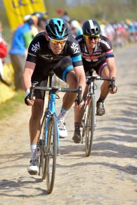 Luke Rowe on His way to a BIG top 10 in the 2015 Paris - Roubaix